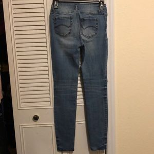 refuge Jeans - Distressed size 4 mid rise skinny jeans